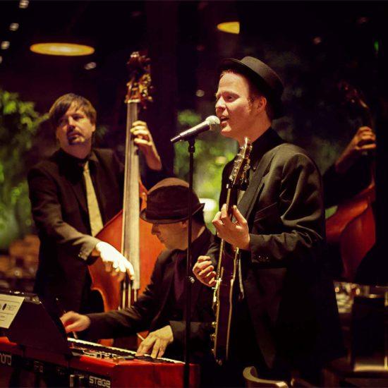Die Jazzband BERLINs FINEST spielt entspannte Loungemusik