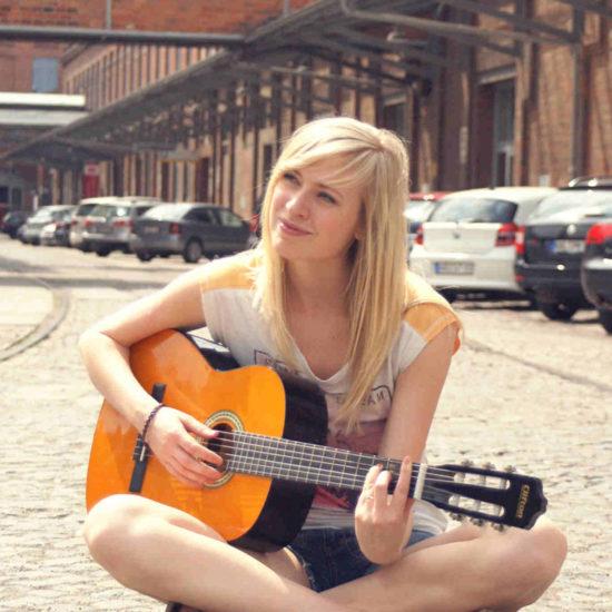 Christin Krause Sängerin Gitarre Livemusik