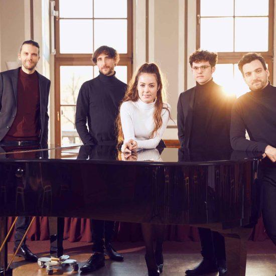 Die Band DÉJÀ VU spielt French Pop