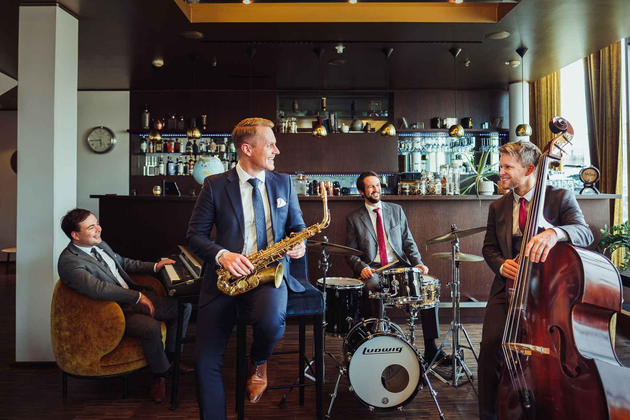 Die Liveband Swing Department spielt Jazz, Pop und Soul